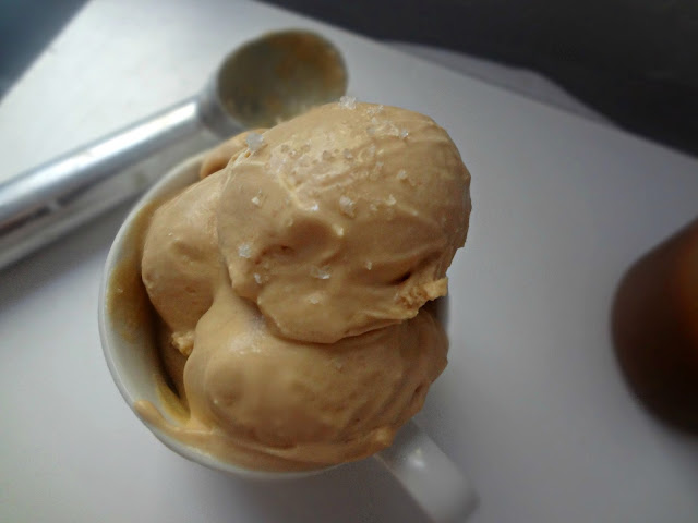 Salted Caramel Ice Cream (No Ice Cream Maker!)