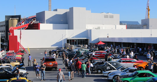 November Breakfast Club Drive-In Car Show at the Petersen Museum