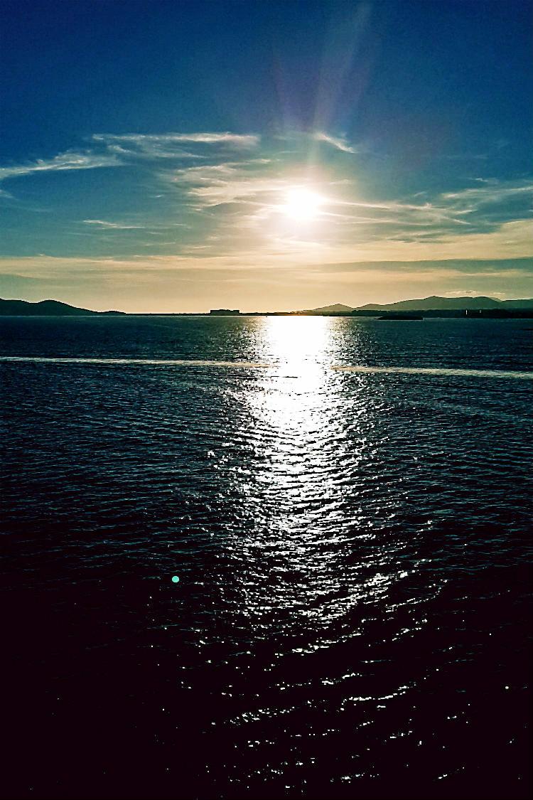 Sonnenuntergang an Bord der Mein Schiff 5 von Tui Cruises | Arthurs Tochter kocht. Der Blog für Food, Wine, Travel & Love von Astrid Paul