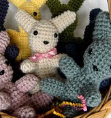 http://www.ravelry.com/patterns/library/easter-baby-bunnies