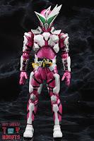 S.H. Figuarts Kamen Rider Jin Flying Falcon 03