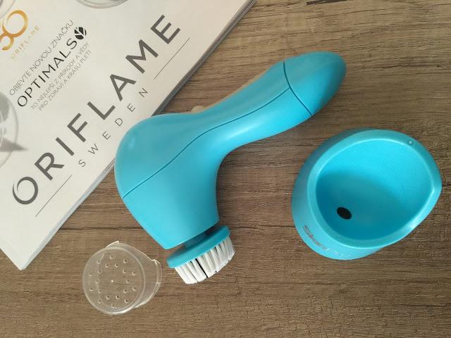 Oriflame SkinPro čistiaci strojček balenie