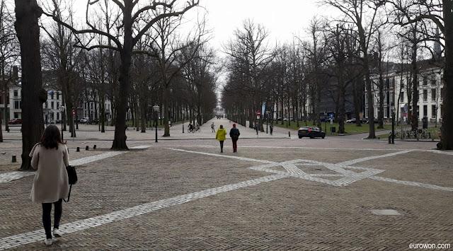 Plaza enfrente del Museo Escher de La Haya