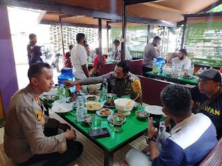 Perkuat Sinergitas Media dan Polri, Kapolres Enrekang Makan Siang Bersama Wartawan