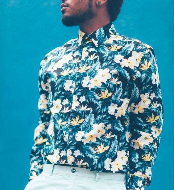 Mas a Camisa Tropical Masculina pode ser também em tom mais lavado 8a8e2aaa0008f