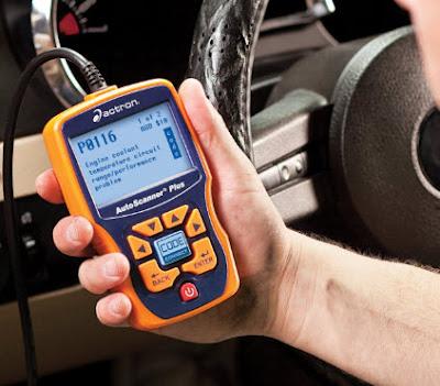 Pemeriksaan Menggunakan Tools Scanner / Scanning Mobil Injeksi