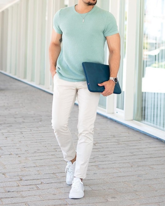 Half sleeve's round neck T shirt and trousers.