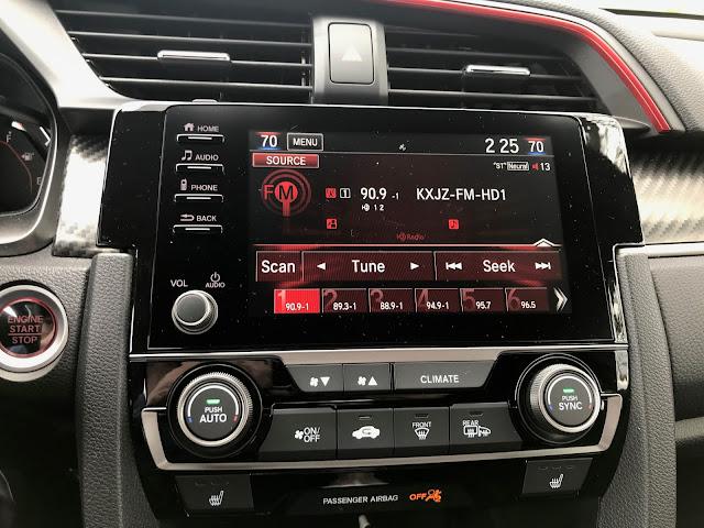 Infotainment and HVAC in 2020 Honda Civic SI