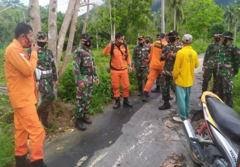 Basarnas Natuna Terjunkan Team Rescue untuk Mencari Lansia yang Hilang di Hutan Sejuba