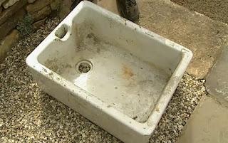 Dirty butler sink
