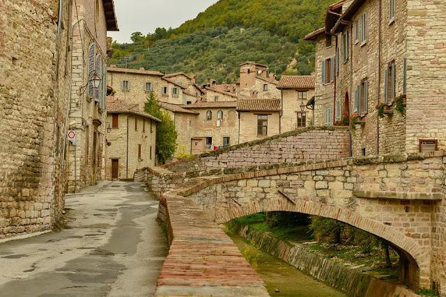 borgo-Umbria-case a un euro