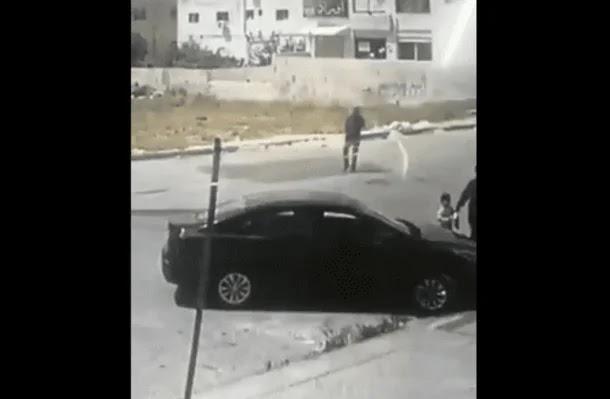 """""""شاهد"""" حادث سرقة غريب """"في عز الظهر"""" يفجر غضب الأردنيين وما حدث غير متوقع بالمرة!"""