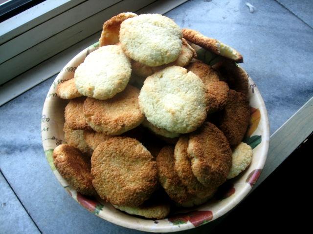 veganza; wegańskie kokosanki; wegańskie ciastka; wegańskie ciasteczka; kokosanki; wegańskie słodycze