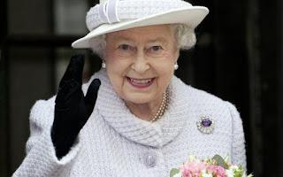 Rainha Elizabeth II completa 65 anos no trono britânico