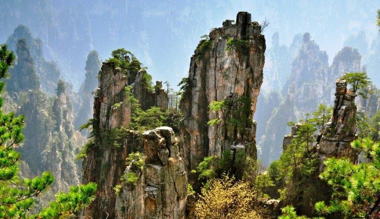 جبال تيانزي : حينما تجمع الطبيعة بين الواقع والخيال - عالم المعرفة