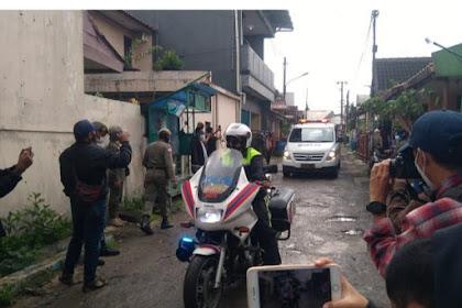 Ambulans Pembawa Jenazah Kapten Afwan Tiba di Rumah Duka