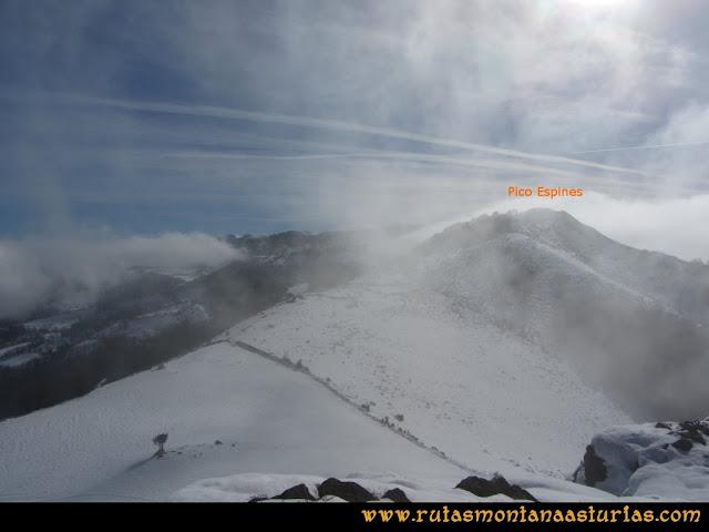 Pico Ranero: Vista del Espines desde el pico Ranero