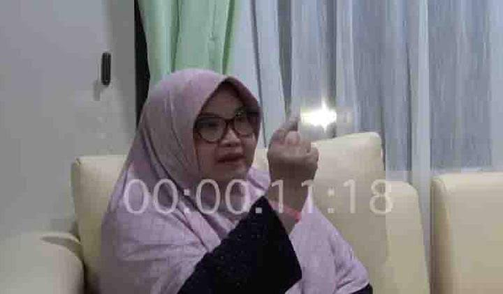 Deddy Nyamar Saat Wawancara Siti di Ruang Rawat Terkunci pada 23.30?