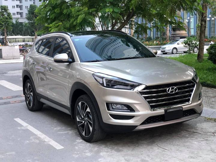 Hyundai Tucson Turbo 2019 chạy 'lướt' rao bán hơn 900 triệu đồng