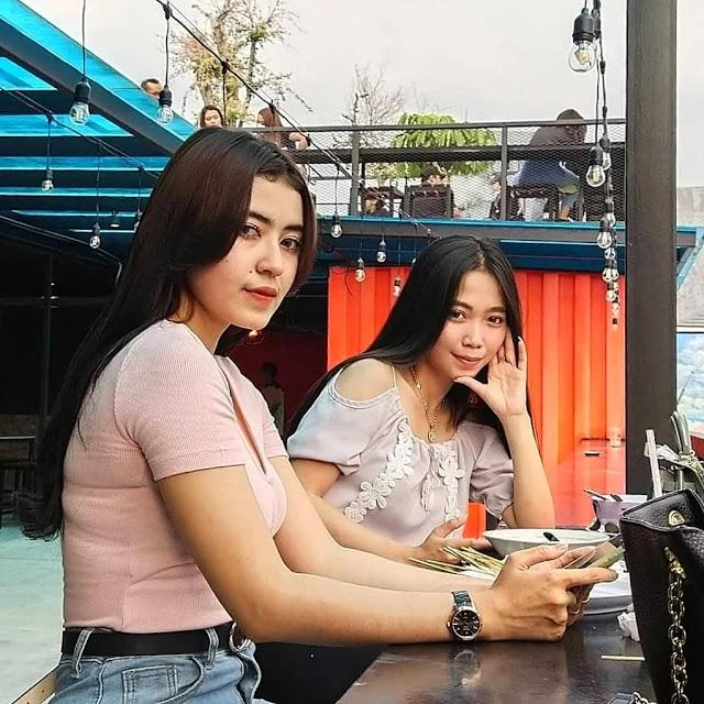 pengunjung cafe prajurit surabaya