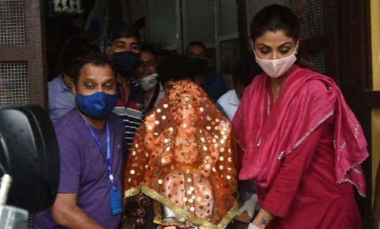 गणेश चतुर्थी 2020: शिल्पा शेट्टी कुंद्रा ने अपने निवास पर गणपति बप्पा का स्वागत किया
