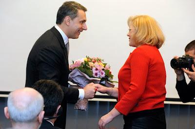 aszfaltügy, Corina Crețu, Európai Bizottság, Lázár János, magyar-román kapcsolatok, Magyarország,
