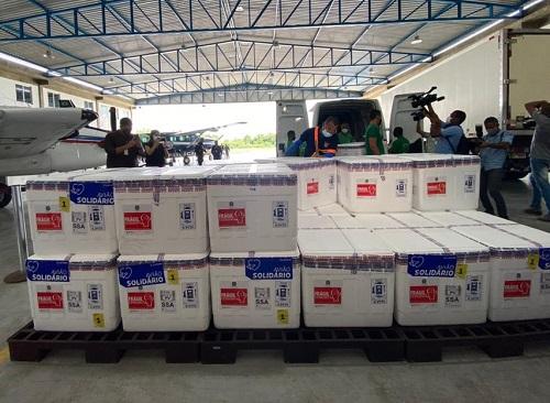 Lote com mais de 280 mil doses de vacinas contra Covid-19 chega à Bahia nesta sexta