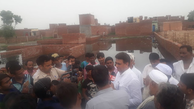 Yamuna water in the colonies of Tigaon area, houses were evacuated, situation became fragile