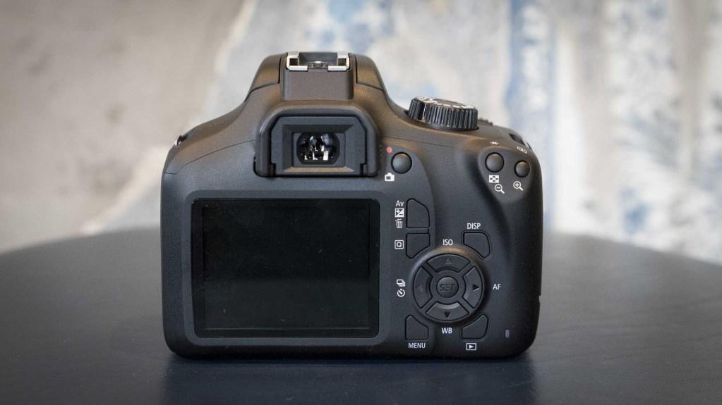Canon EOS 4000D, вид сзади