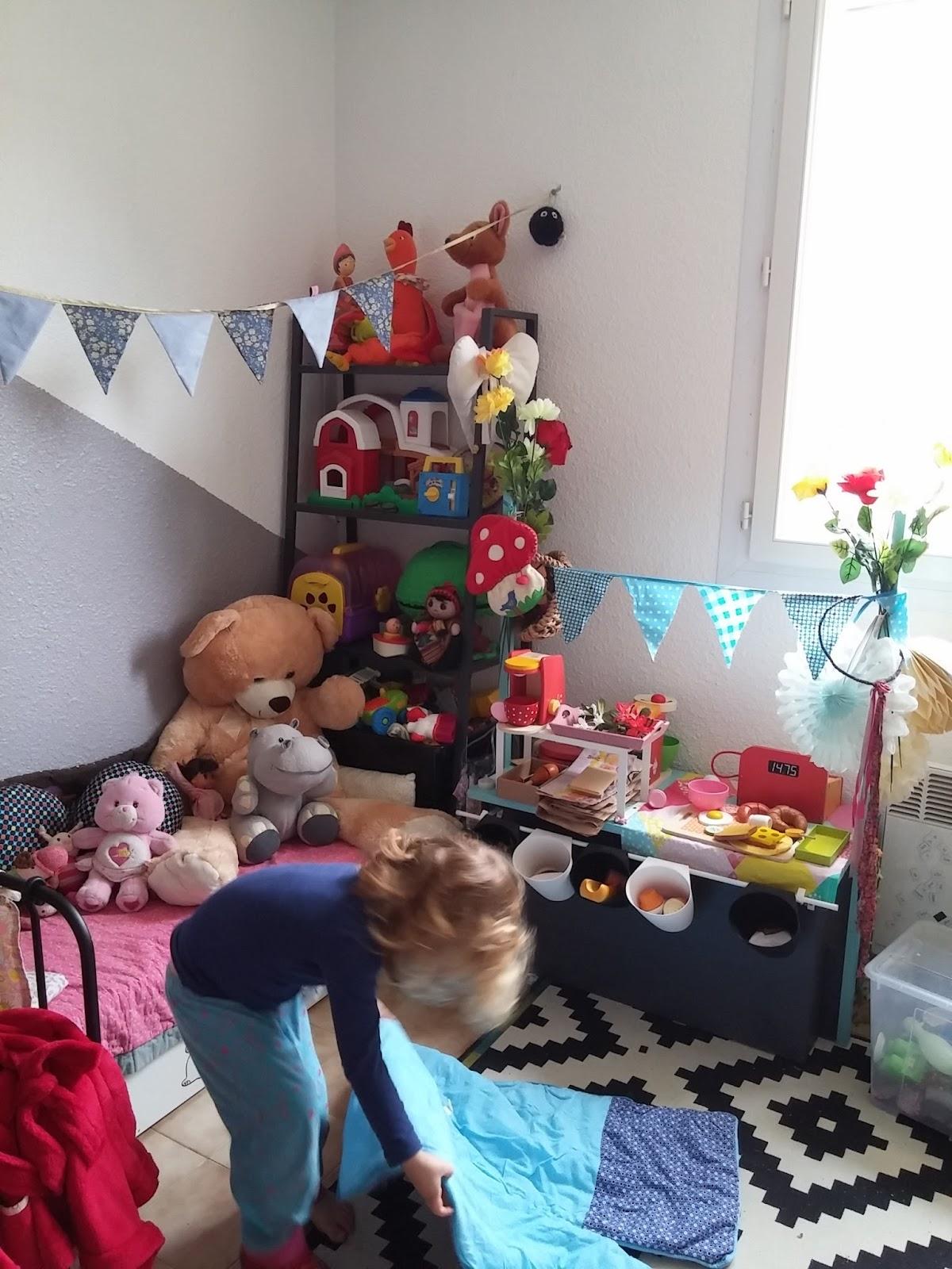 les aventures des petits pois la d co de la chambre des kids. Black Bedroom Furniture Sets. Home Design Ideas