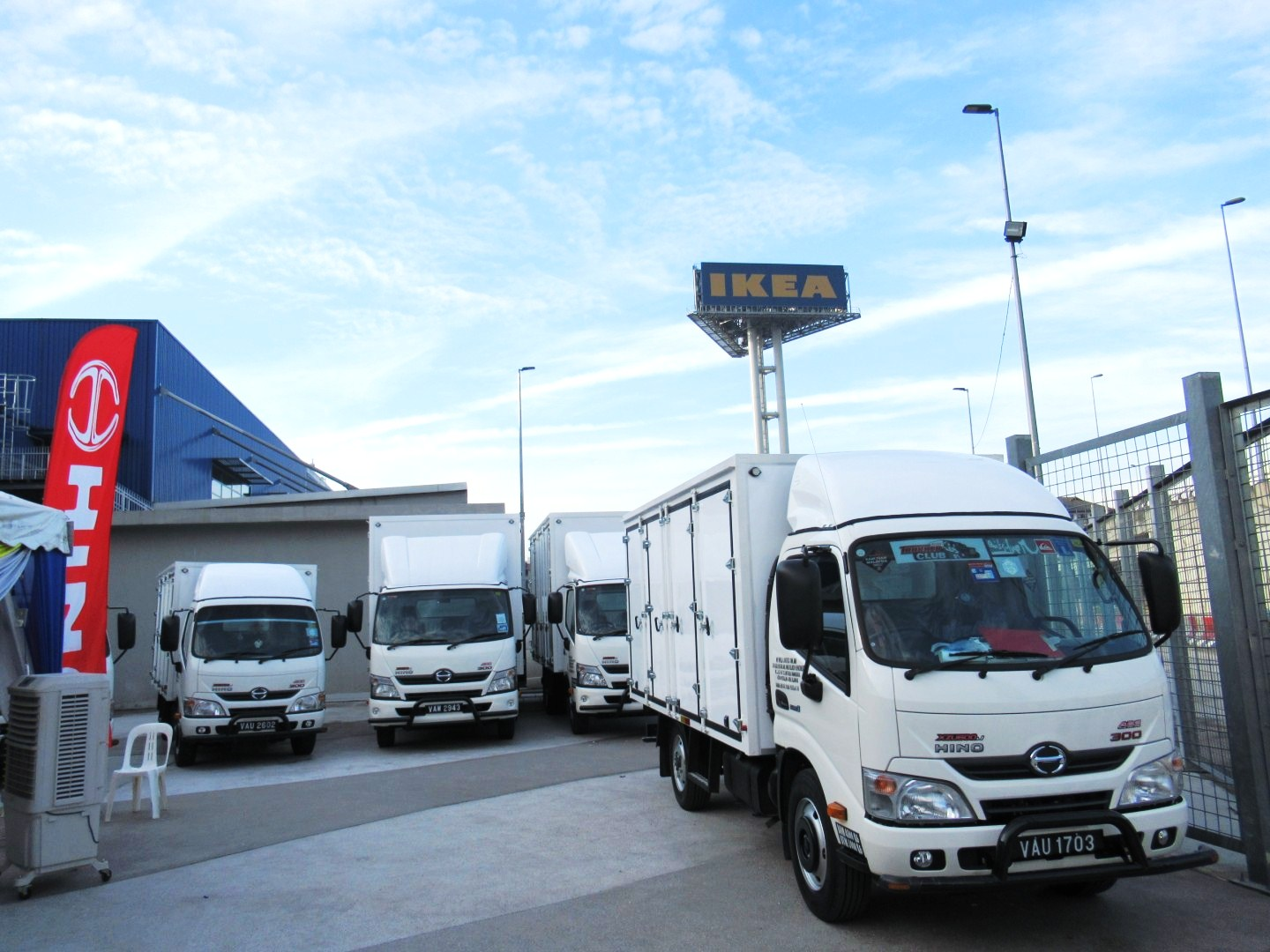 Motoring Malaysia Truck News Hino Delivers 15 Units Of Its Newly