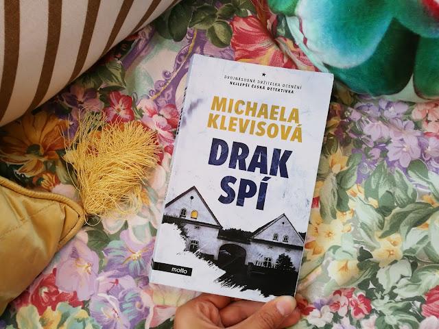 Michaela Klevisová Drak spí recenze