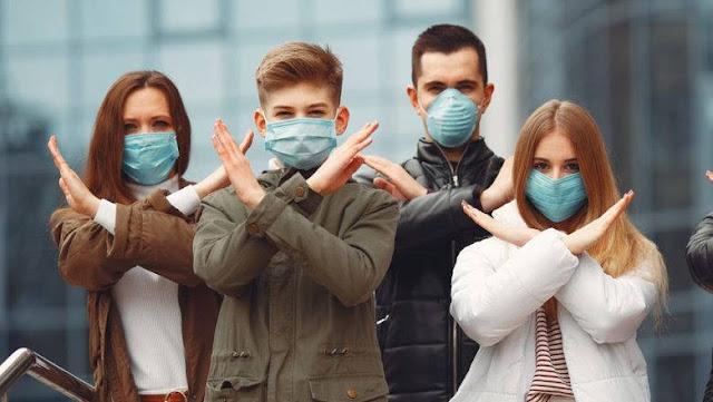 Врач-инфекционист: «Лучшая защита от вируса — не маски, а свежий воздух и солнце»