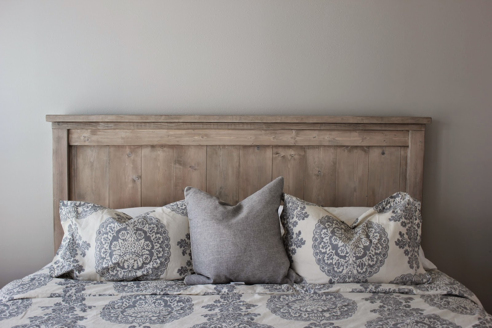 a city born love: Our DIY Bed