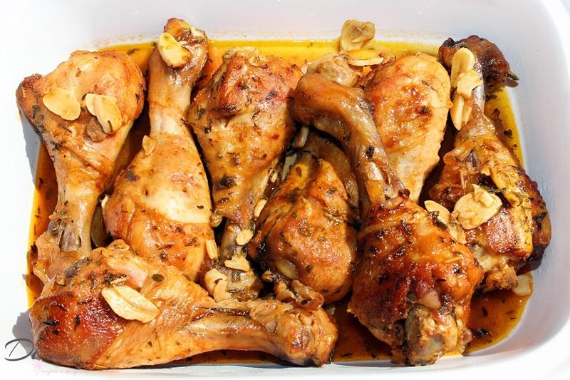 Pieczone udka z kurczaka w marynacie miodowo-cytrynowej z czosnkiem