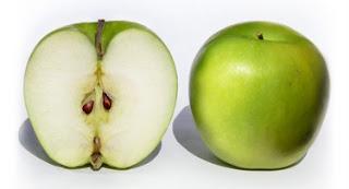 Racun sianida di dalam biji apel berbahaya dan dapat membunuh orang dewasa