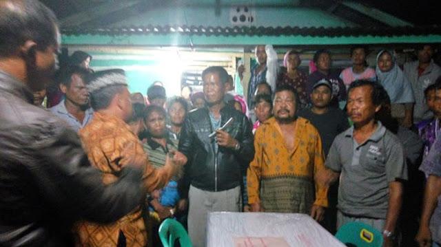 Penyerahan jenazah Resti Tumanggor kepada keluarga, Jumat (27/10/2017) sekitar pukul 3:10 WIB dinihari.