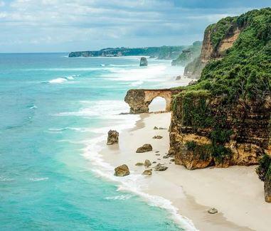 Pantai Bawana