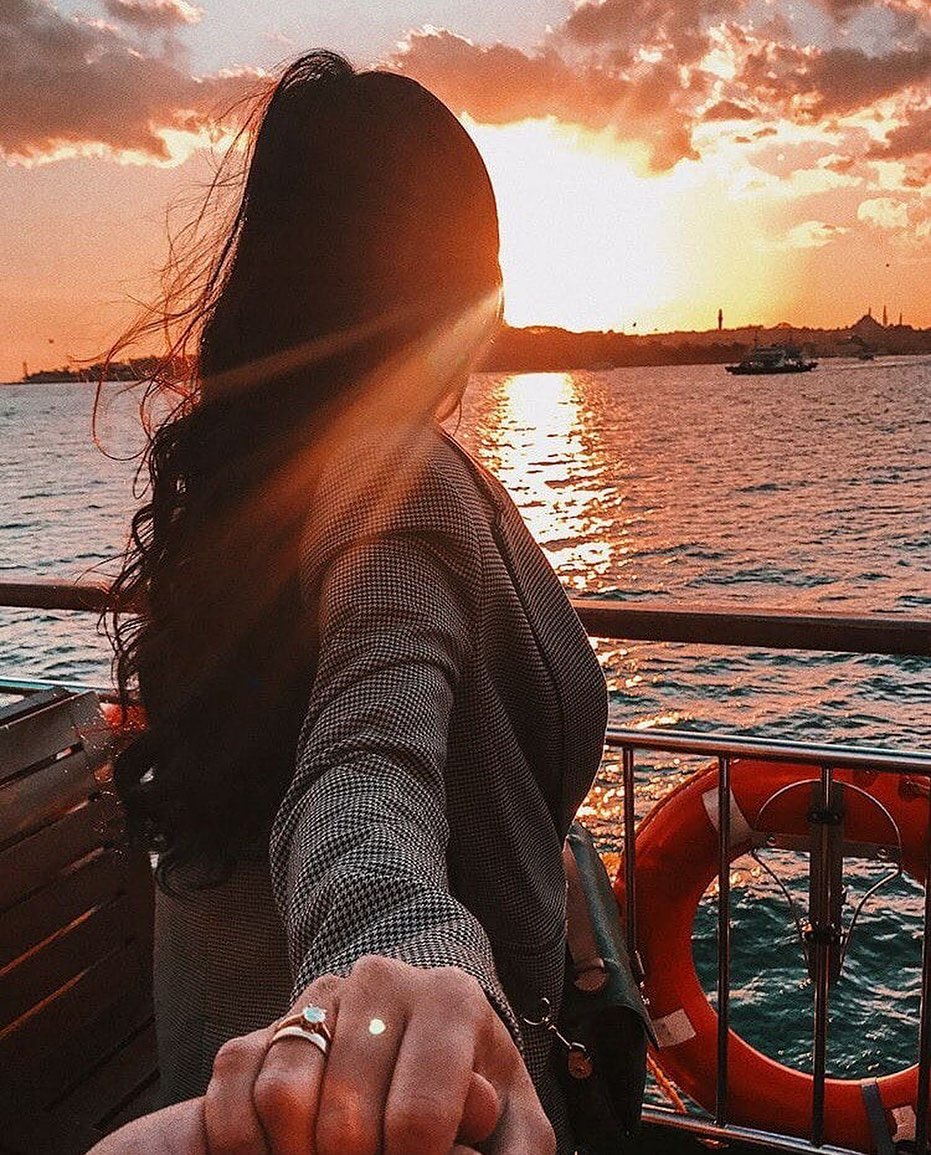 Women Days Quotes and DP with Famous Girl Wishes 2021