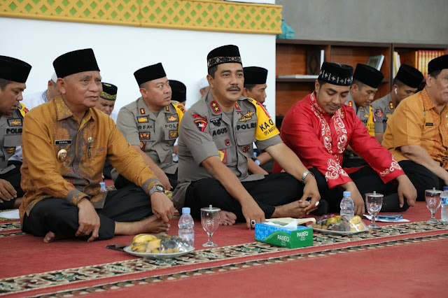 Wakil Bupati Asahan Surya BSc, Kapoldasu, di acara tabligh akbar.