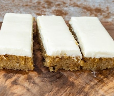 Pumpkin Bars { Low Carb | Keto | GF } #healthydessert #diet