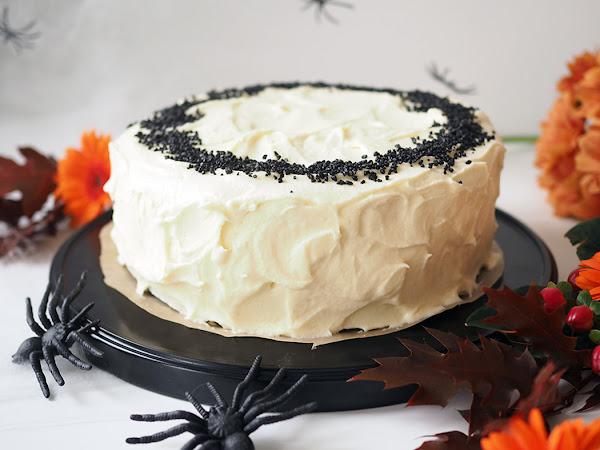 Halloweenin tyylikkäin Black Velvet -kakku