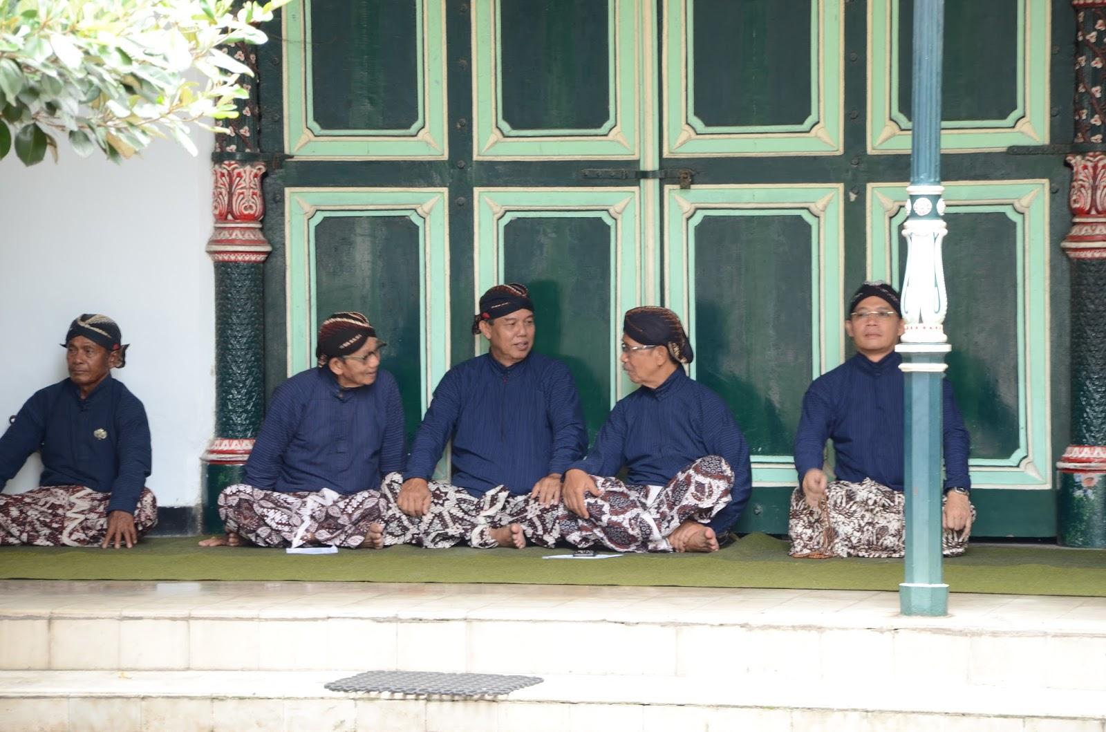 Busana Pengantin Adat Keratn Yogyakarta Pdf Image Num 34