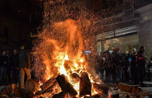 Θεσπρωτία: Δεν άναψαν πολλές φωτιές οι Θεσπρωτοί τις Απόκριες, αλλά διασκέδασαν σε καφετέριες και ταβέρνες