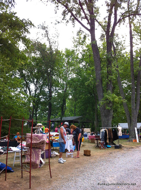 world's longest yard sale