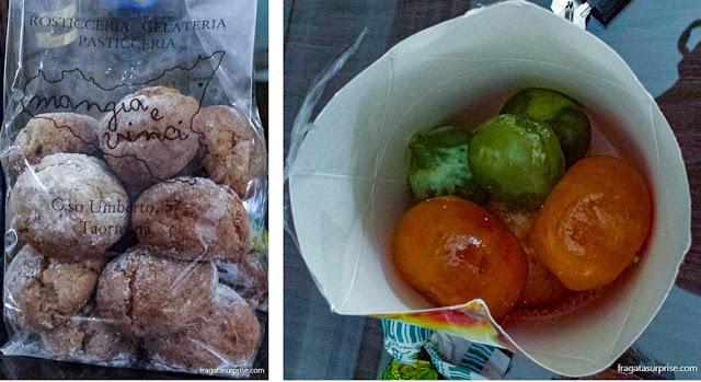Doces típicos da Sicília: biscoitos amaretti e frutas cristalizadas