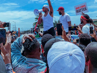 #Endsars: Chris Brown Joins The Movement As Abuja Protesters Came Across People Literally Living Under The Bridge