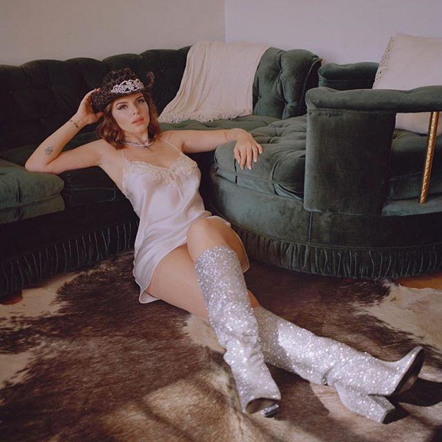 Julia Fox Photos