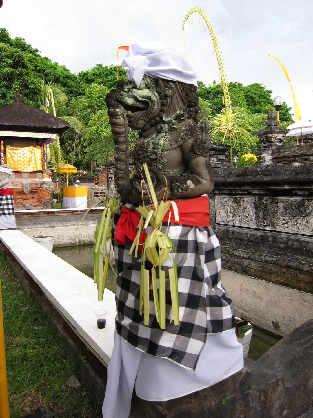 Kain Poleng - Symbols of Everyday Life in Bali for Tourist to Aware