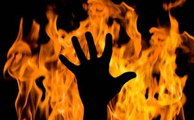 """""""Cerita: Kado Untuk Api"""""""
